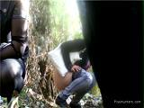 Две девушки пописали на скрытую камеру